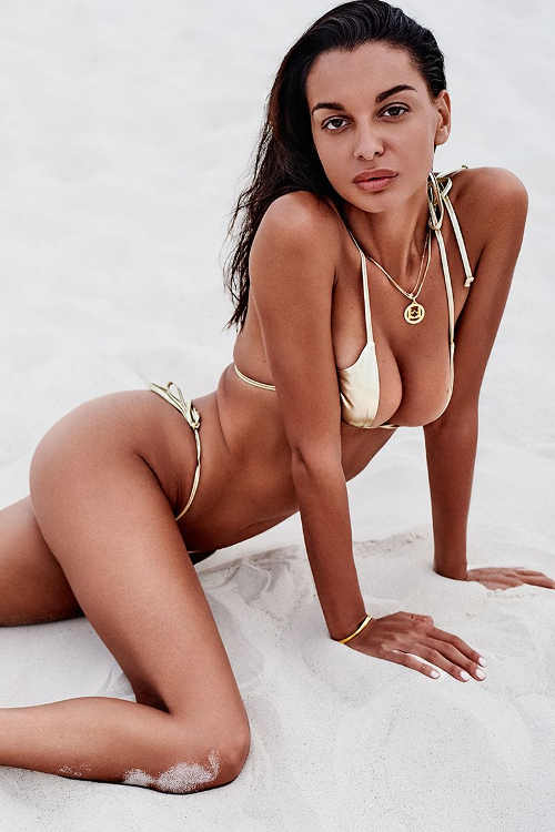 Seksowny dwuczęściowy damski kostium kąpielowy w efektownym złotym fasonie