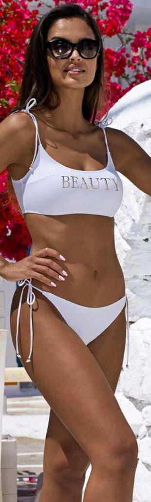 Nowoczesny biały dwuczęściowy kostium kąpielowy dla młodych